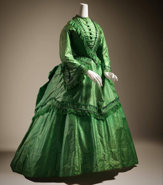 poisonous dress